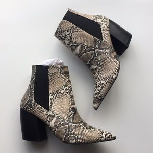 NEW Snake Print Python Ankle Boots White Black 7